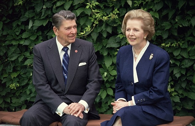 Margaret Thatcher y Ronald Reagan en 1987